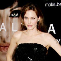 Анджелина Джоли рассказала про интимную жизнь с Питтом