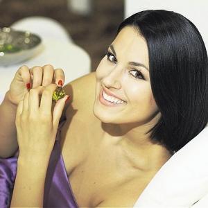 Маша Ефросинина показала фигуру в прозрачном платье (ФОТО)