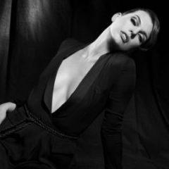Мила Йовович в февральском номере Vogue