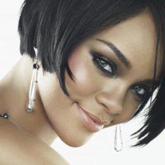 Журнал Glamour назвал певицу Рианну женщиной года