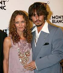 Ванесса Паради встала между Деппом и Джоли