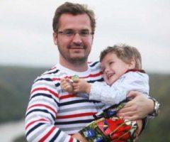 Александр Пономарев с экс-супругой не могут поделить сына