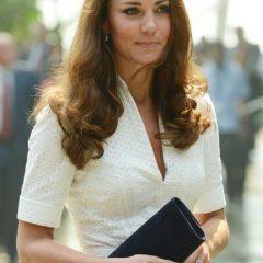 Герцогиня Кембриджская Кэтрин пишет с «ашипками»