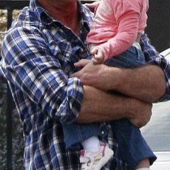 Мел Гибсон провел День отца по правилам – с дочкой Люсией