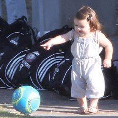 Дочь Дэвида Бекхэма уже играет в футбол