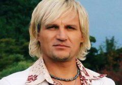Популярный украинский певец Олег Скрипка отказался выступать на одной сцене с Кобзоном и Валерией в Лондоне