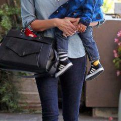 Шарлиз Терон подозревали в жестоком обращении с ребёнком