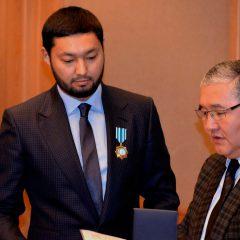 Герой-любовник Кенес Ракишев жертвует политической карьерой под надзором ФСБ