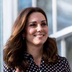 Улыбчивая Кейт Миддлтон посетила музей в Лондоне