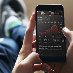 Цена акций Apple достигла годового минимума, а капитализация снизилась втрое
