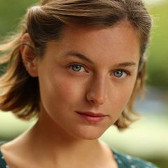 Hulu продолжают сериал «Рами» на третий сезон
